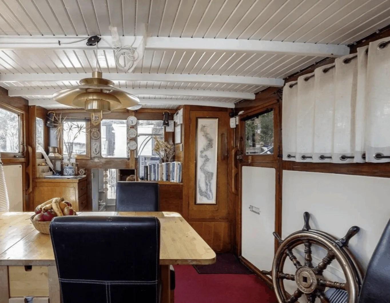 London Houseboats - Kew Gardens