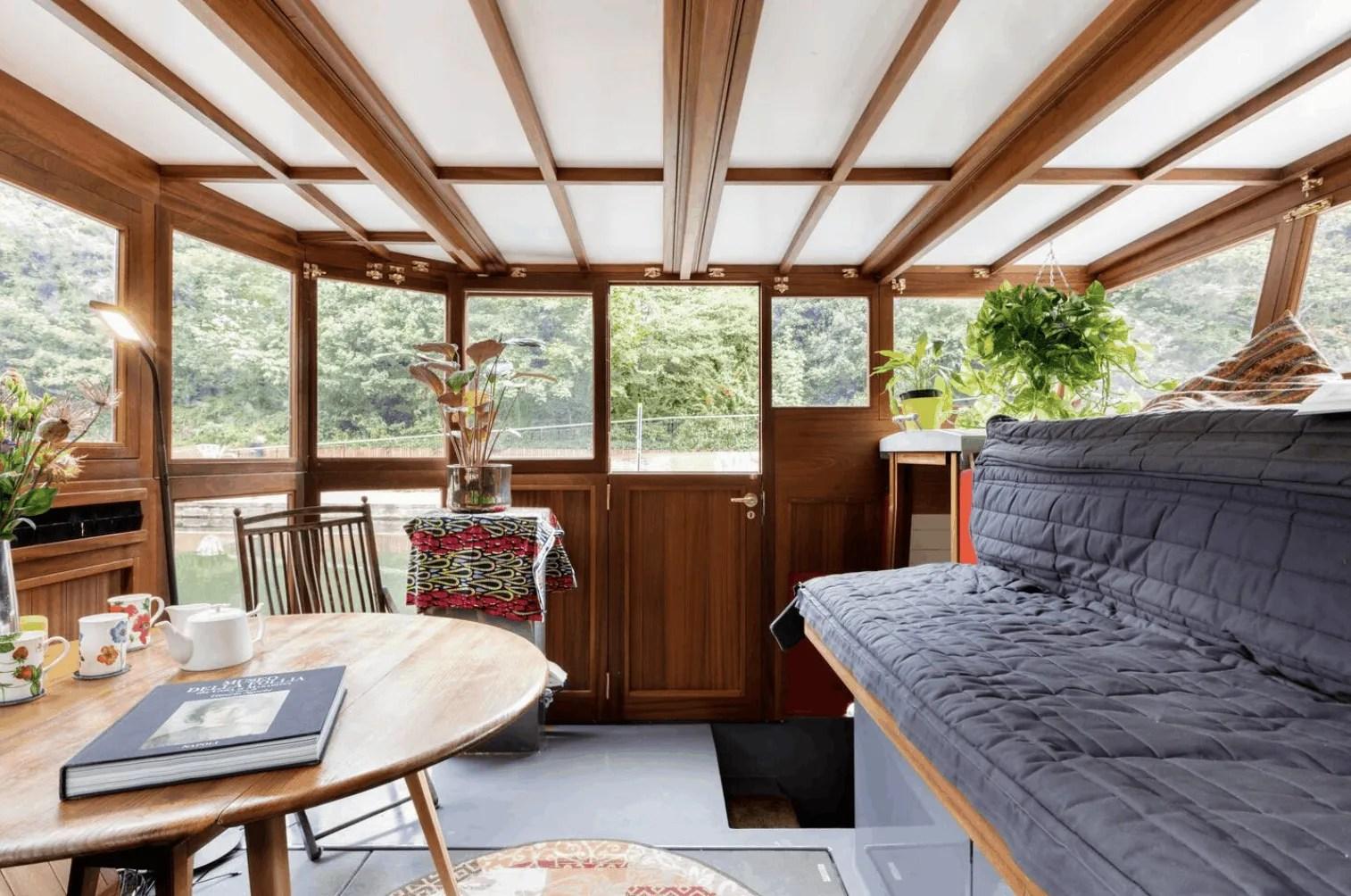London Houseboats - King's Cross Designer