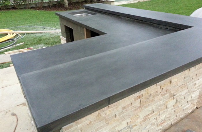 OUTDOOR KITCHEN CONCRETE COUNTERTOPS & OTHER OPTIONS