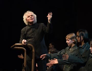 https://i2.wp.com/londonsymphony.wpengine.com/wp-content/uploads/2017/01/T12-Sir-Simon-Rattle-with-LSO-LSO-Discovery-Hugh-Glendigging-360x280.jpg?resize=360%2C280