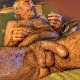 Naked-Old-Men-With-Huge-Cocks-9-inch-daddy-dick