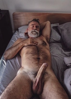 over-50-silver-daddies-with-god-cocks