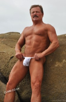 thong muscle dad