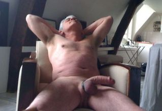 over-50-hung-silver-daddy