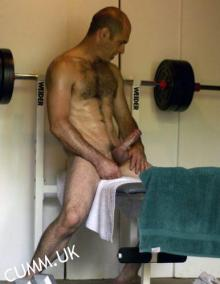 almighty-gym-erection