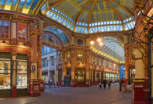 Leadenhall_Market_In_London_-_Feb_2006_rotated
