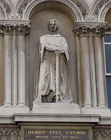 220px-Statue_Of_Henry_FitzEylwin_Holborn_Viaduct