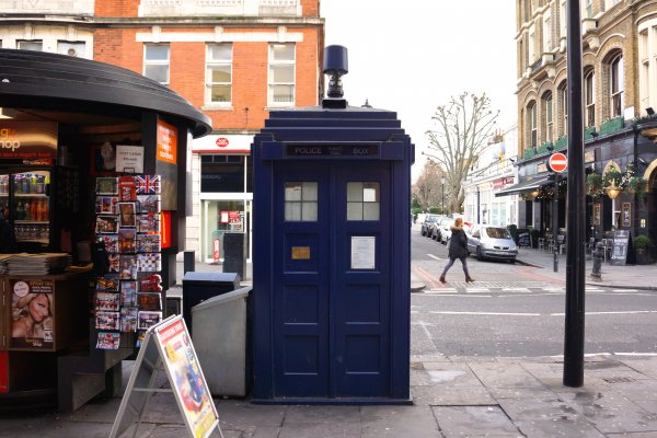 doctor who police box tardis london earl's court
