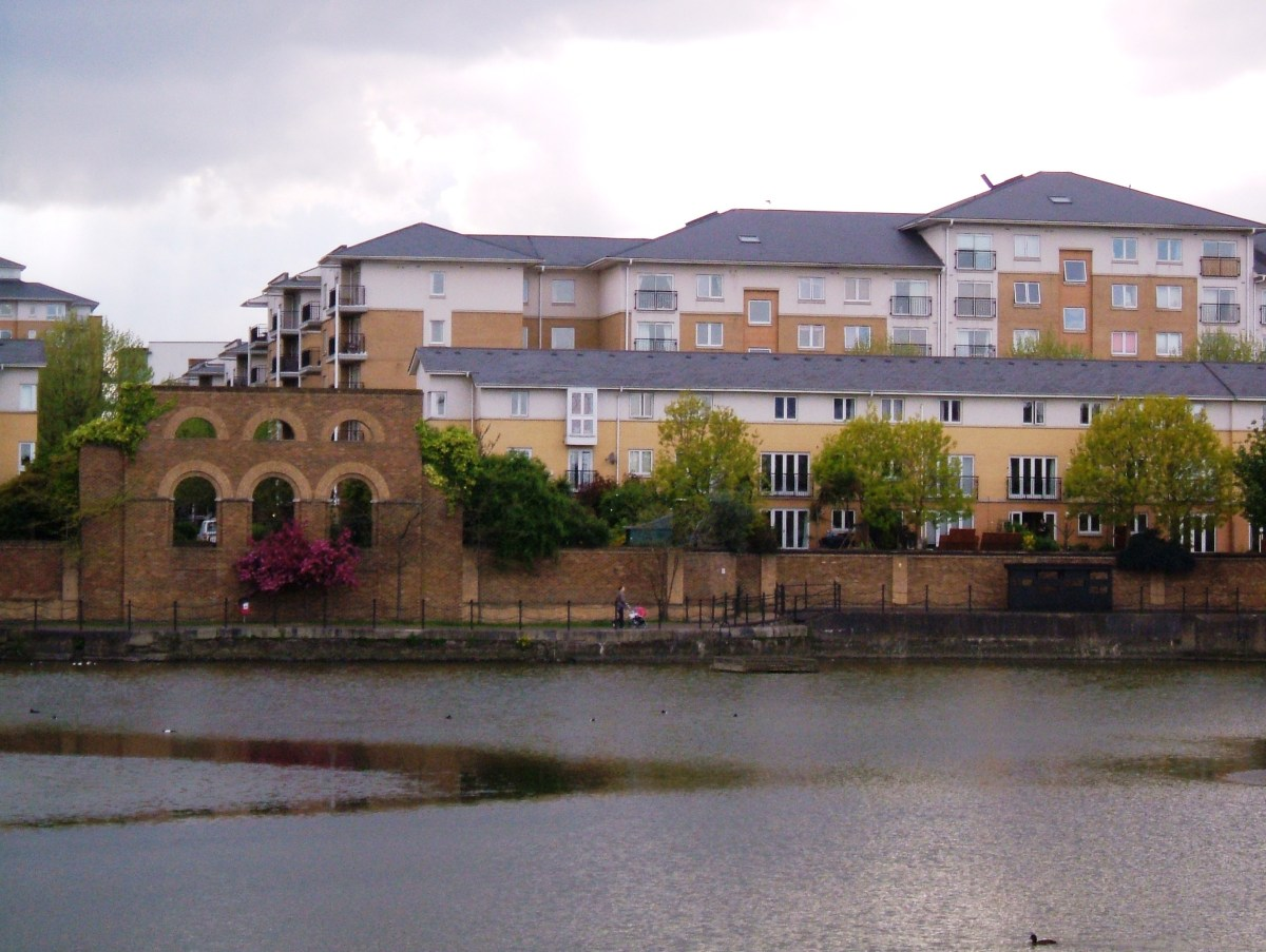 Barratts housing on the site of the Export Dock, with the entry lock on the right