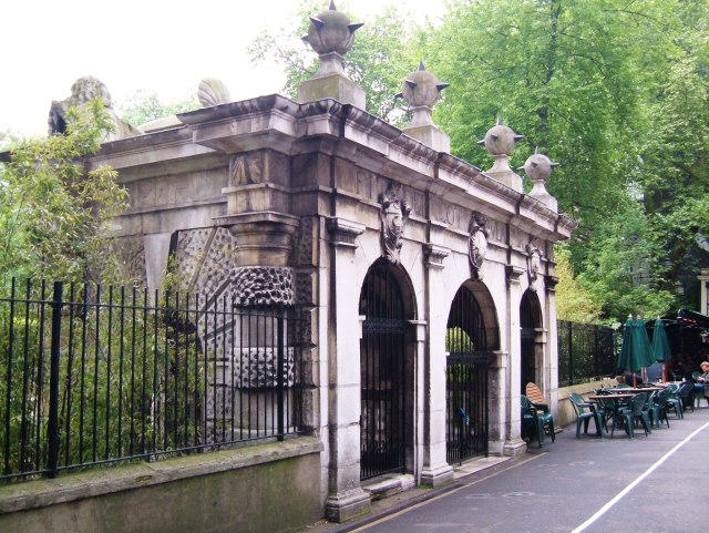 The water gate at the bottom of Buckingham Street