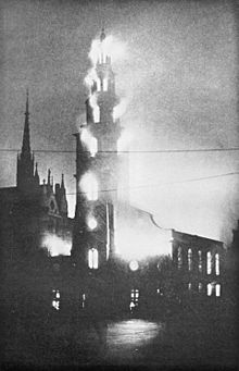 St Clement Danes on fire, 10 May 1941