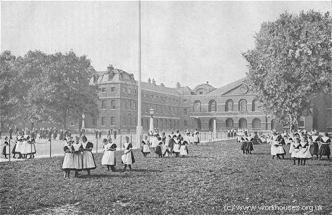 Coram's Foundling Hospital, c.1900 © Peter Higginbotham.