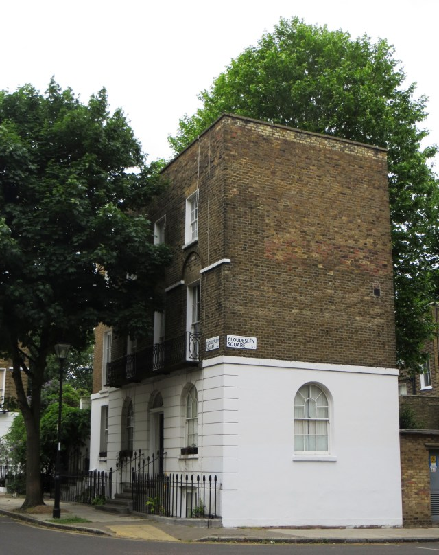 Freestanding house on east side of Cloudesley Square