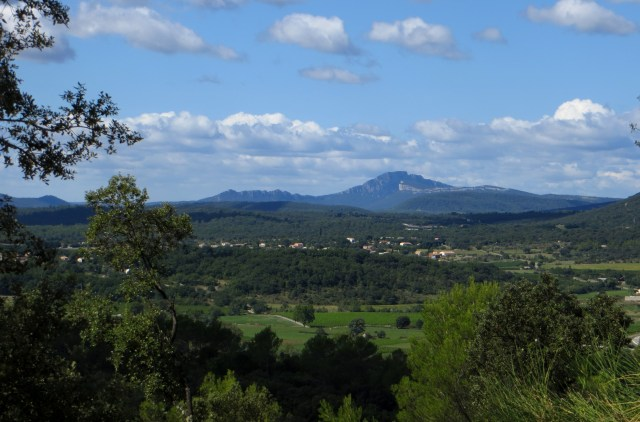 The plains leading to Pic St Loup