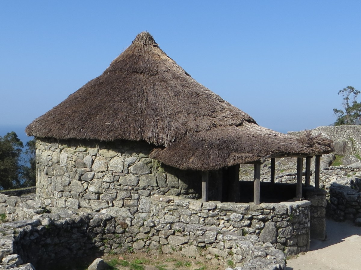 Santa Tecla reconstructed dwelling