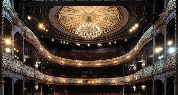 The Old Vic interior (www.britishtheatre.com)