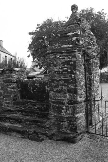 Locmelar Church gate with vertical slabs to bar cattle