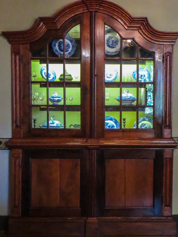 Display cabinet with blue & white china at Boschendal