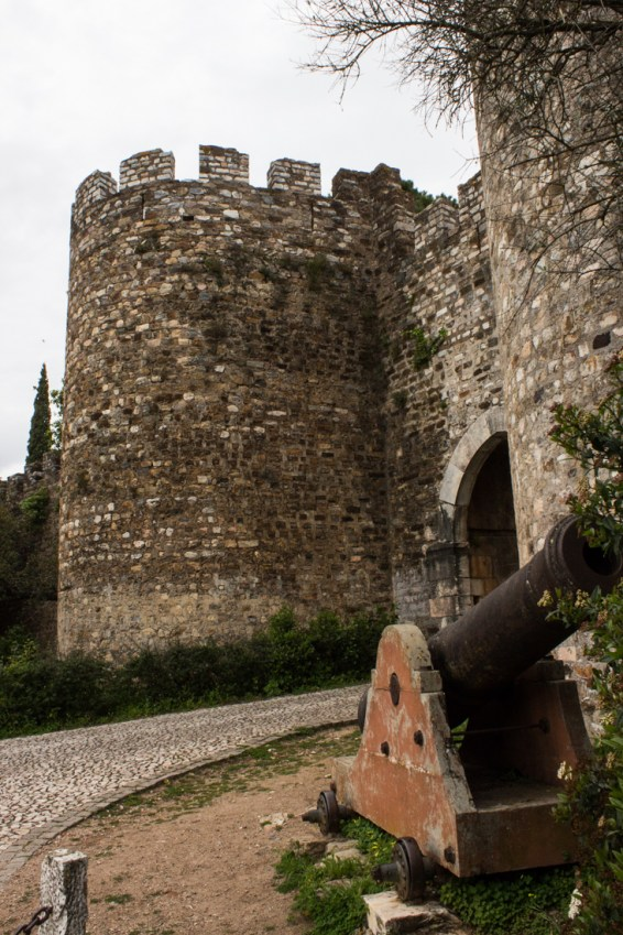 The Cannon outside the Evora Gate of the Castle