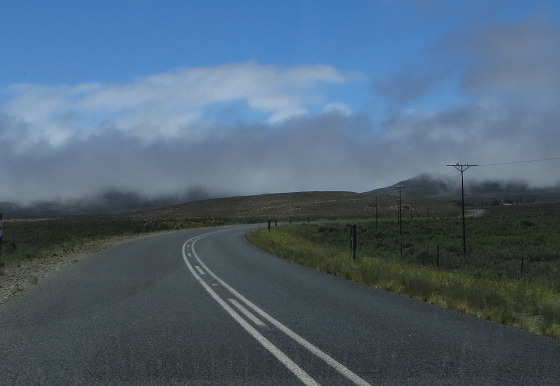 Fog on the road between Murraysburg and Graaff Reinet