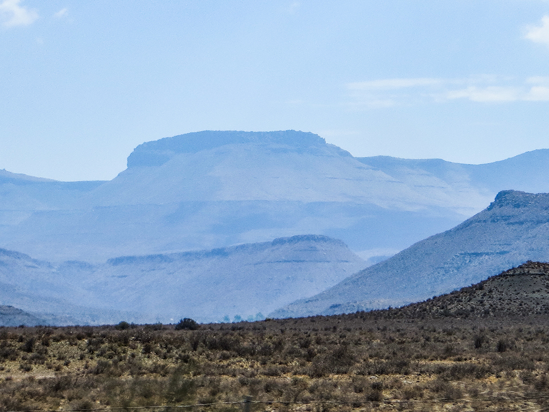 The Karoo between Matjiesfontein & Beaufort West