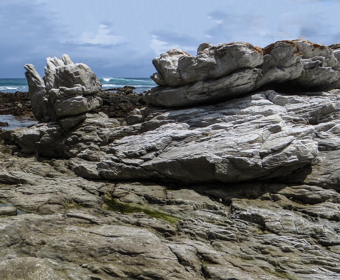 Rocks alongside the Indian Ocean