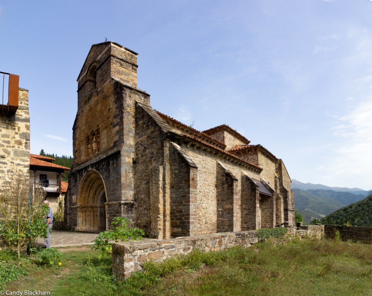 Santa Maria de Piasca from the remains of the Cloister
