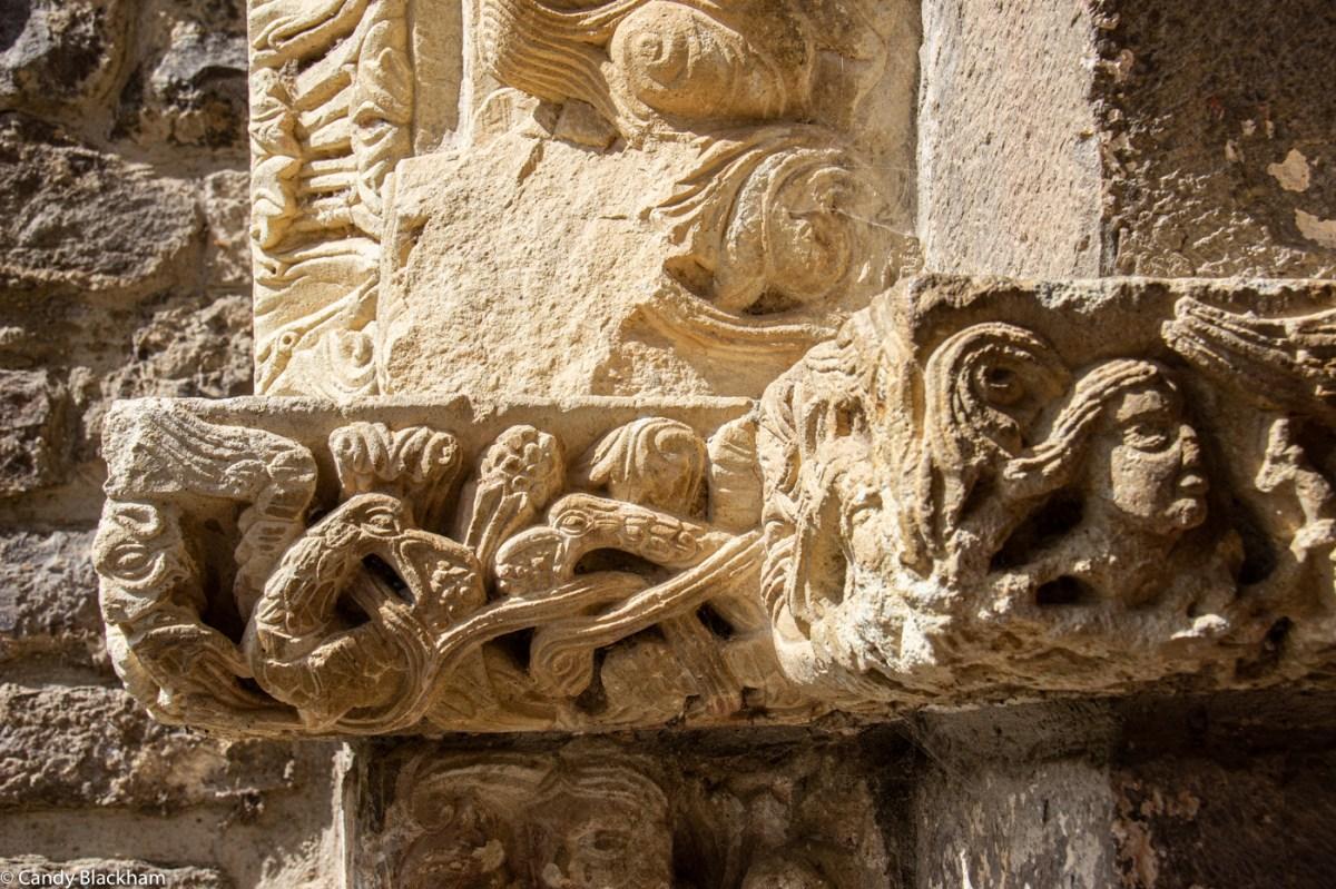 Birds on the side door of Santa Maria de Piasca