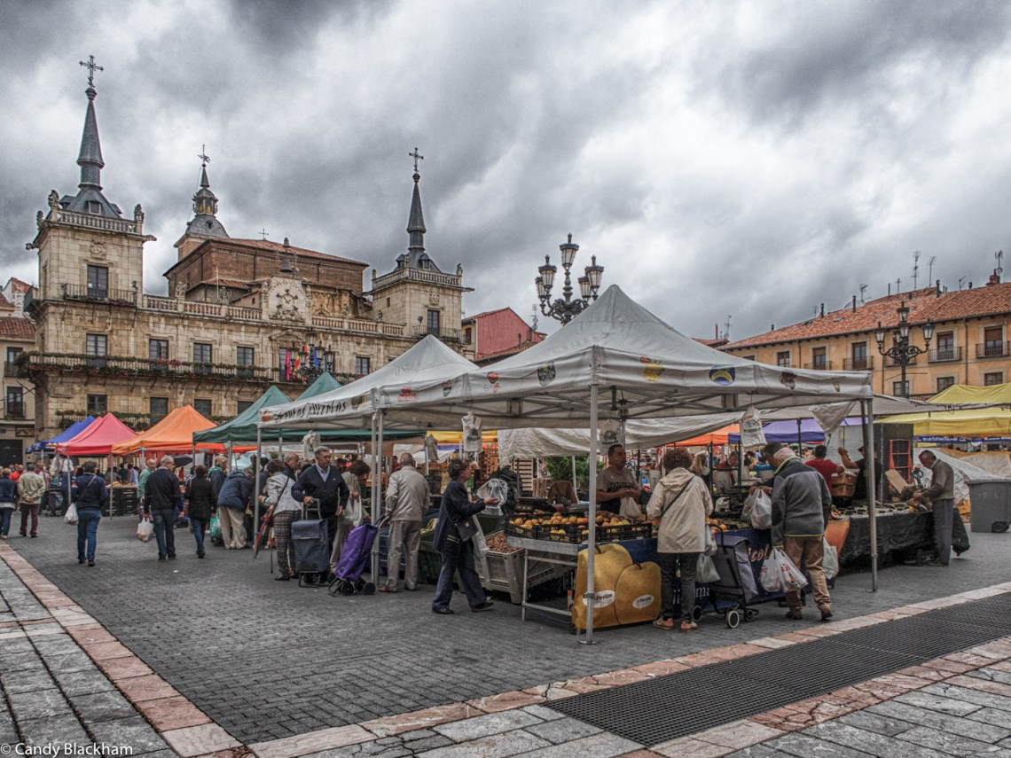 Market day in Leon