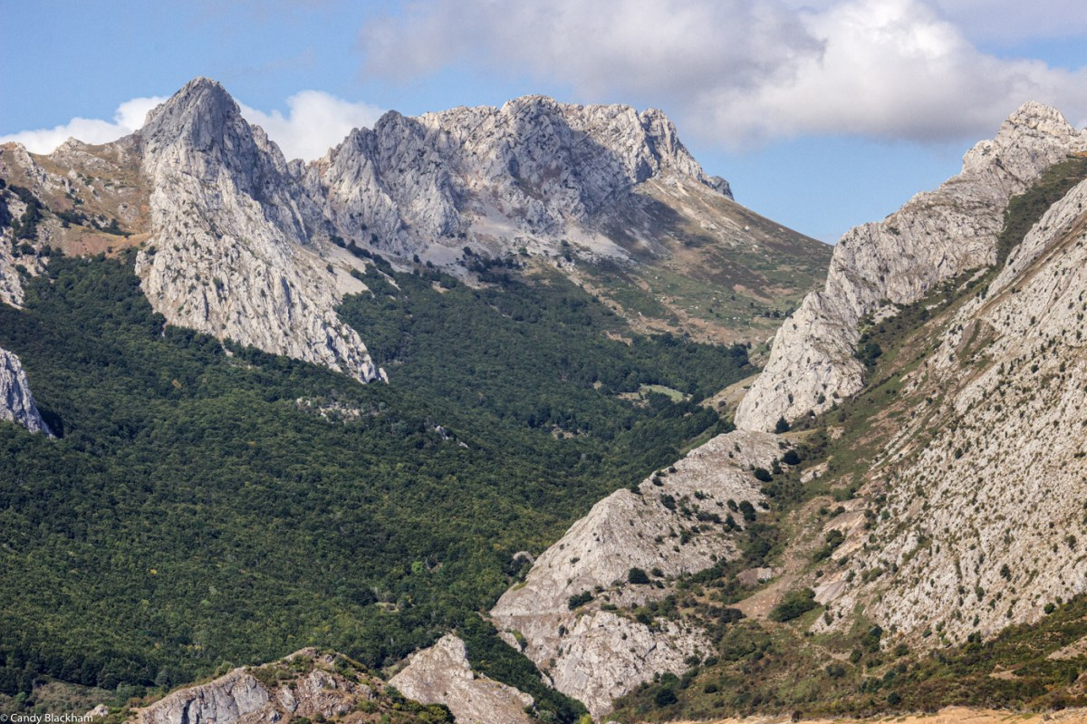 Mountains in Riano