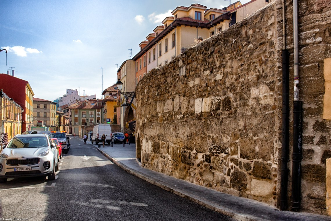 In the Calle Cano de Bodilla - The walls of Leon