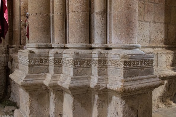 Very simple decoration on the pillars in the church