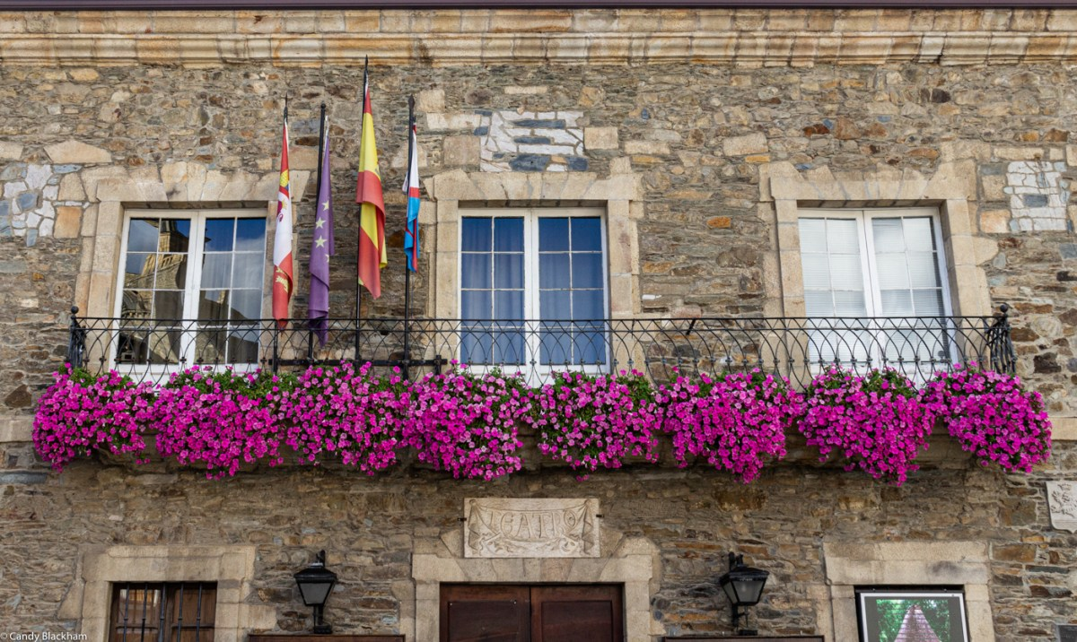 Window boxes in Villafranca