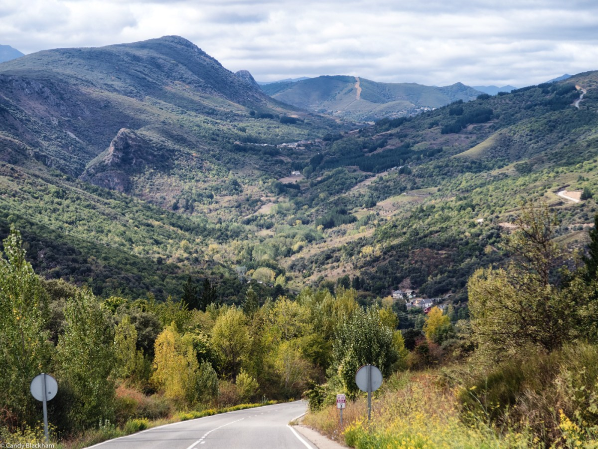 The mountains between Las Medulas and Villafranca