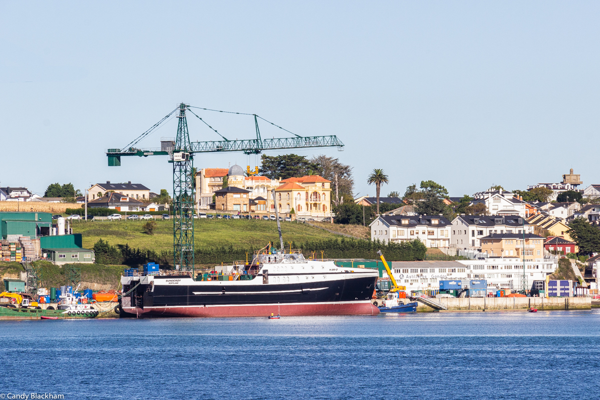 Figueras opposite Ribadeo on the River Eo