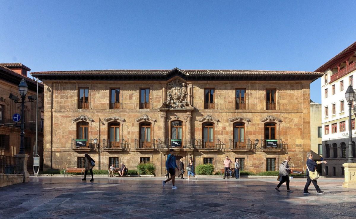 Valdecarza-Heredia Palace