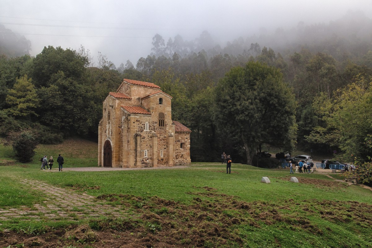 On a hillside and in the mist - San Miguel de Lillo, a World Heritage Site in Oviedo