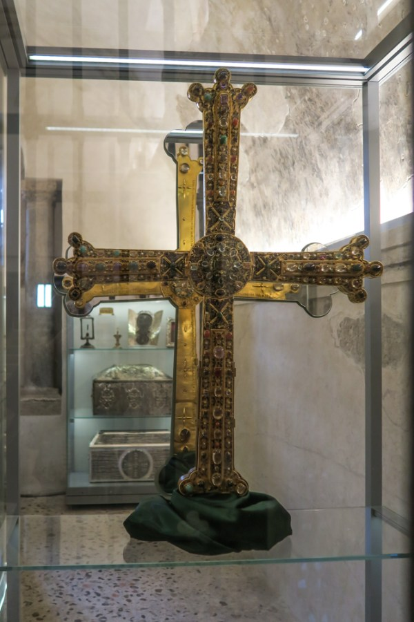 The Victory . Cross 10C in the Cathedral in Oviedo