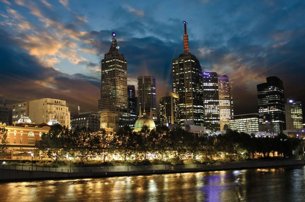4834306_sunset-over-melbourne-architecture