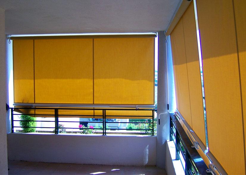 Bajo balcón