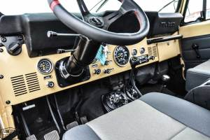 1983 CJ7 Jeep Resto Mod Dashboard and Steering Wheel