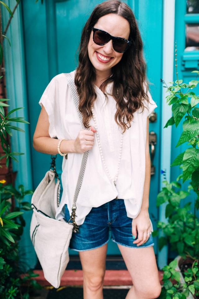 Abejas_Boutique_White_Shirt_Blue_Denim8
