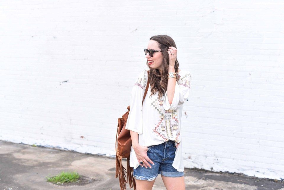 Embroidered_Top_Denim_Shorts_Fringe_Backpack10
