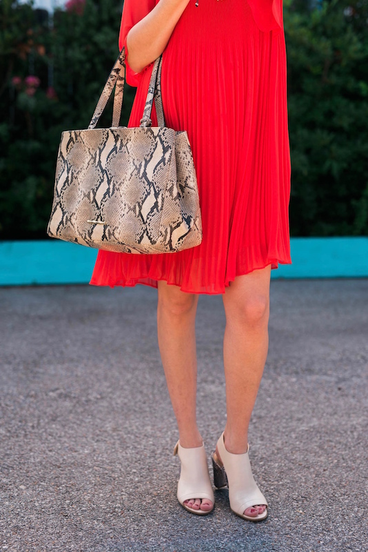 Red_Dress_Cute_Maternity_Outfit5
