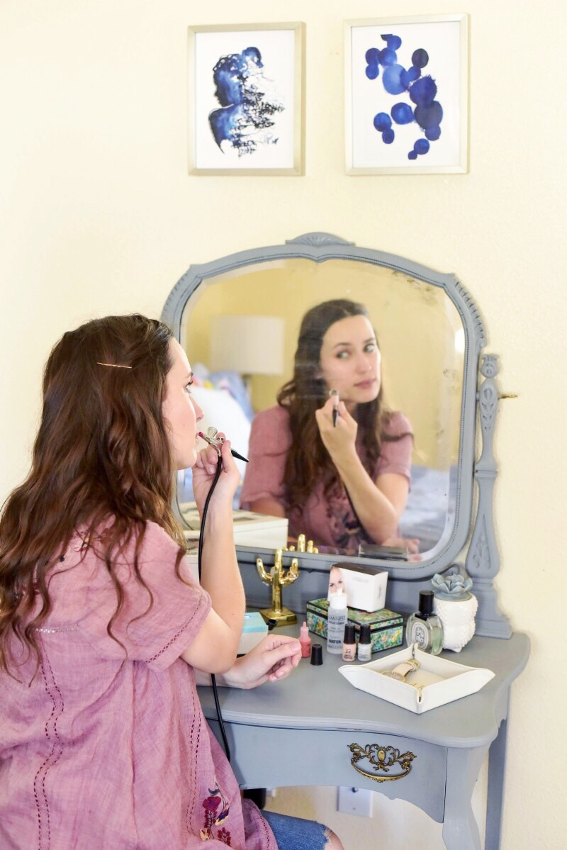 How to Apply Airbrush Makeup: An easy airbrush makeup tutorial with Luminess Air.
