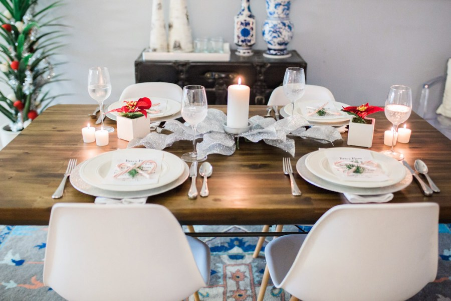 mid_century_dining_room_holiday_decor-7