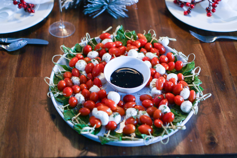 Holiday Party Appetizer Ideas: Caprese Salad Christmas Wreath Recipe