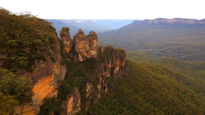 Day Trip to Sydney's Blue Mountains & the stunning Three Sisters