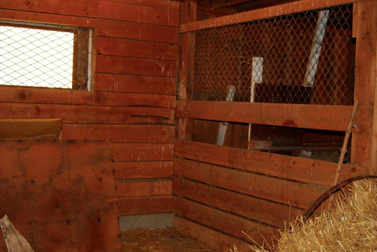 Right side of cross-tie stall