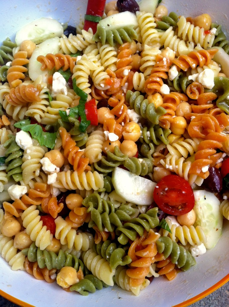 Mediterranean Style Pasta Salad | longdistancebaking.com